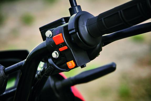Arranque_eléctrico_y_de_pedal_moto_MRX_150_foto1.jpg